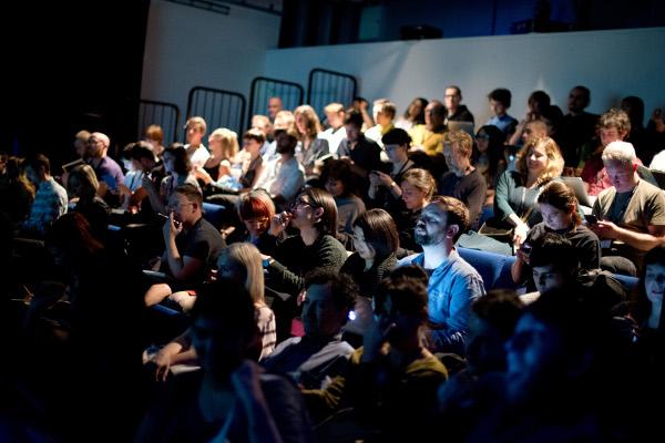 audience 600